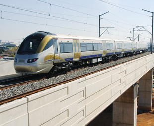 A thumbs up for the Gautrain and bus
