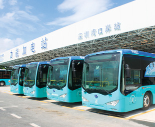 First full-size electric bus