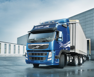 Long-distance gas-fuelled trucking