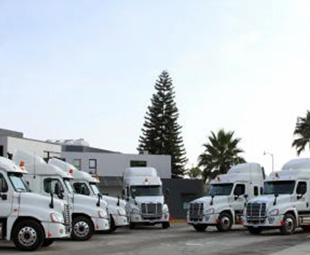 Freightliner invades Mexico