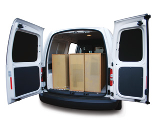 The 4,2 m3 load volume allows good carrying space. Payload is 694 kg.