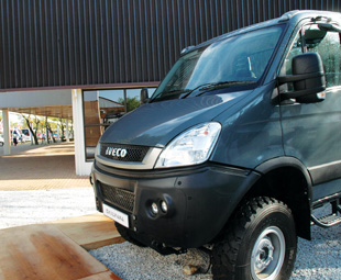 Daily 4x4 starred in the 12 000 km Daily4Africa roadshow, proving its worth and creating road safety awareness.