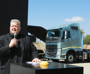 Kobus Wiese did a great job of introducing the trucks.