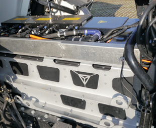 The complete electrical system does not require more space or weight than a traditional diesel engine.