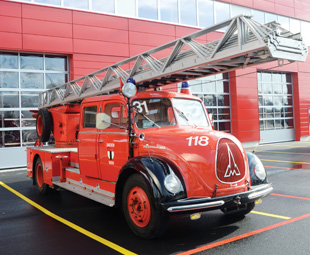 Facinating fire-fighting vehicles from the company's 150-year history are on display at the Ulm Centre of Excellence.
