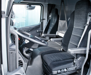Interior space benefits from a 2,3 m-wide cab.