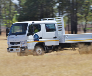 Good looking and easy to drive, the Canter LIFT is also comfortable and spacious in single and double cab.