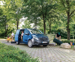 Both the driver and passenger are comfortably seated in the new Vito and benefit from more space than before.