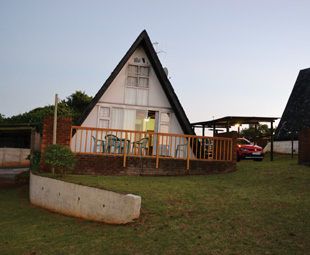 Umzumbe self-catering chalets: quaint, with a sea view.