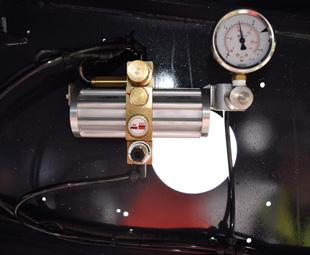 The tyre inflation regulator.