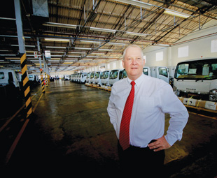 Isuzu chief operating officer Craig Uren says that, despite tough times, it is not necessary to press the proverbial panic button.