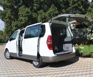 Easy access and more than 800 litres of cargo space.