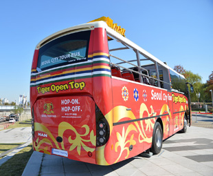 MAN brings open-top sightseeing to Seoul