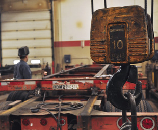 With a lack of commitment to the task, poorly trained mechanics and pressured drivers, trailer maintenance is severely lacking across local fleets.