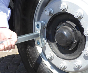 The Wieloc wheel-securing device is easy to install.