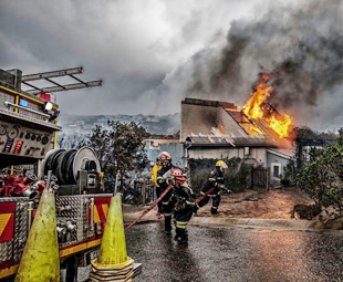 Engen lends support to Knynsa and Plett fire-fighters