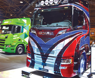 Don't you just LOVE the paintwork on this Scania S 520 A 4x2?